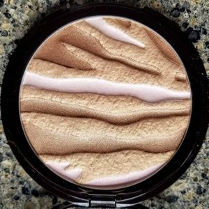 Laura Mercier Exotique Face Illuminator Supersized